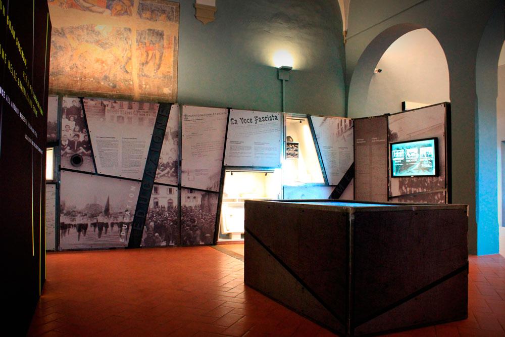 Espositori su misura e Tagli a Fresatura per la mostra della Memoria a San Miniato